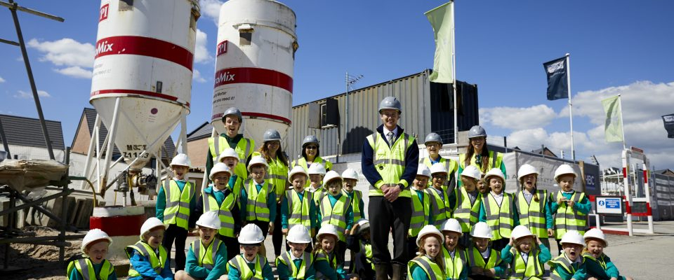 Barratt invite local school Cottam Primary to their Cottham heights site to learn about site safety.